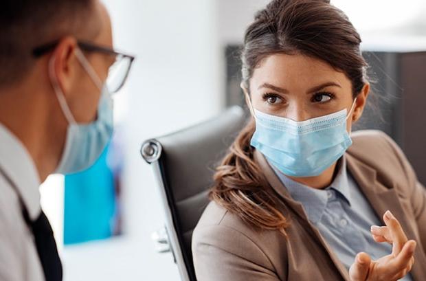 Covid-19 et non-respect des consignes sanitaires : un salarié peut-il être sanctionné ?